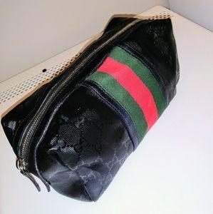 Beautiful unisex Gucci travel bag